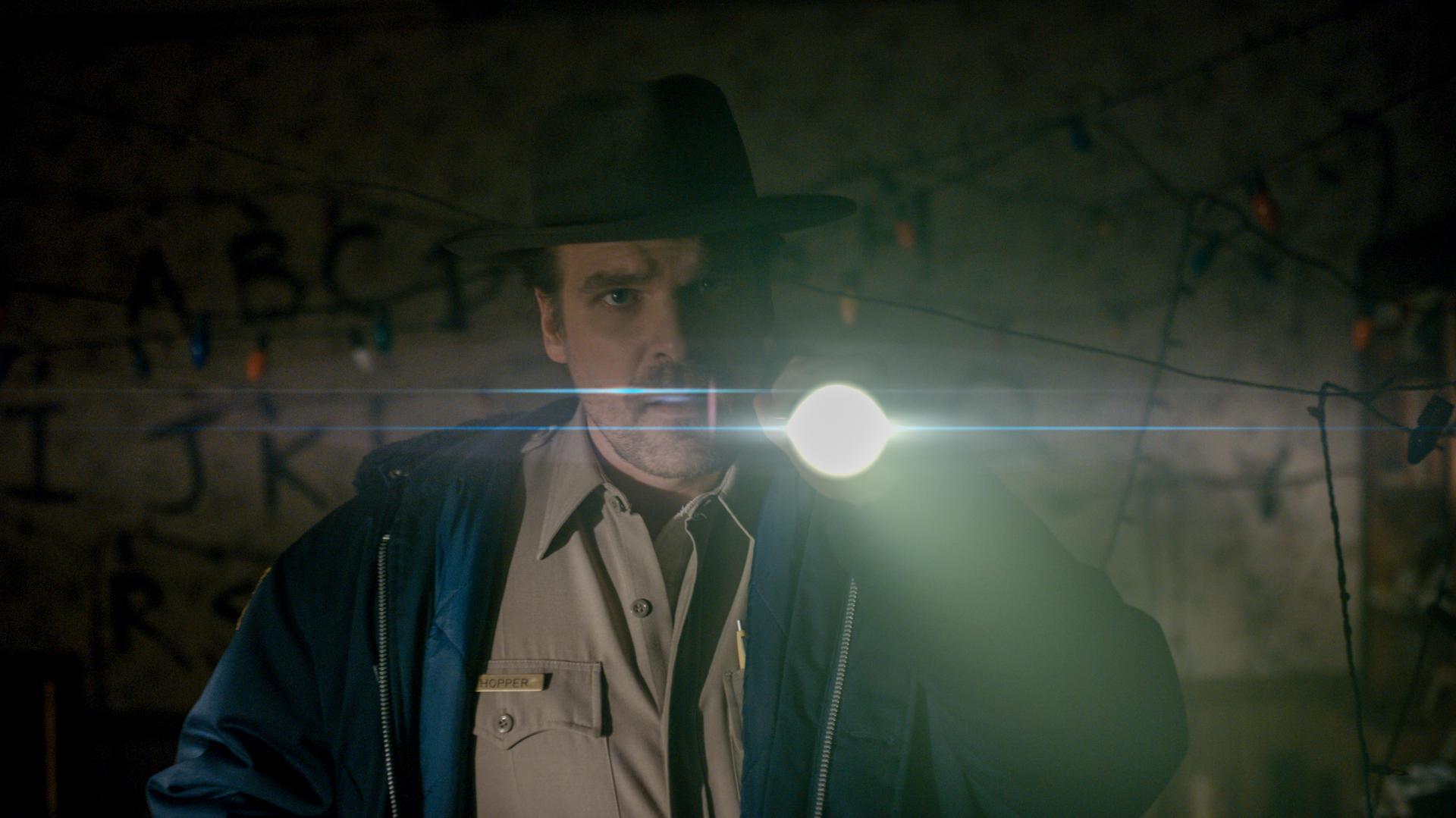Jimm-Hopper-stranger-things-saison-2