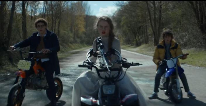 seuls-film-bd-david-moreau-sofia-lesaffre-stephane-bak-jean-stan-du-pac-kim-lockhart-paul-scarfoglio-armes
