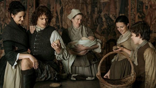 Outlander-saison2-Claire-Jamie-Ecosse